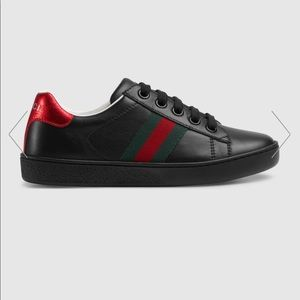 Boys Gucci sneakers